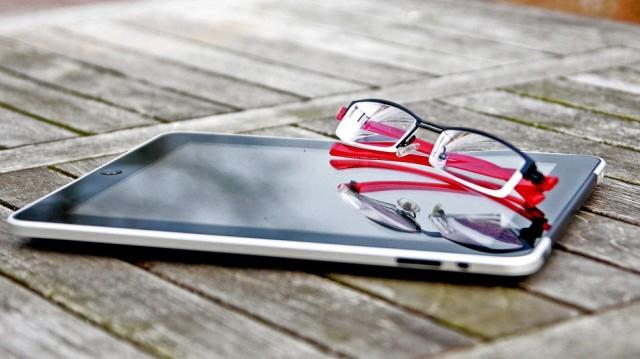2013%2F10%2F28%2F56%2Fipadglasses.5021f.jpg