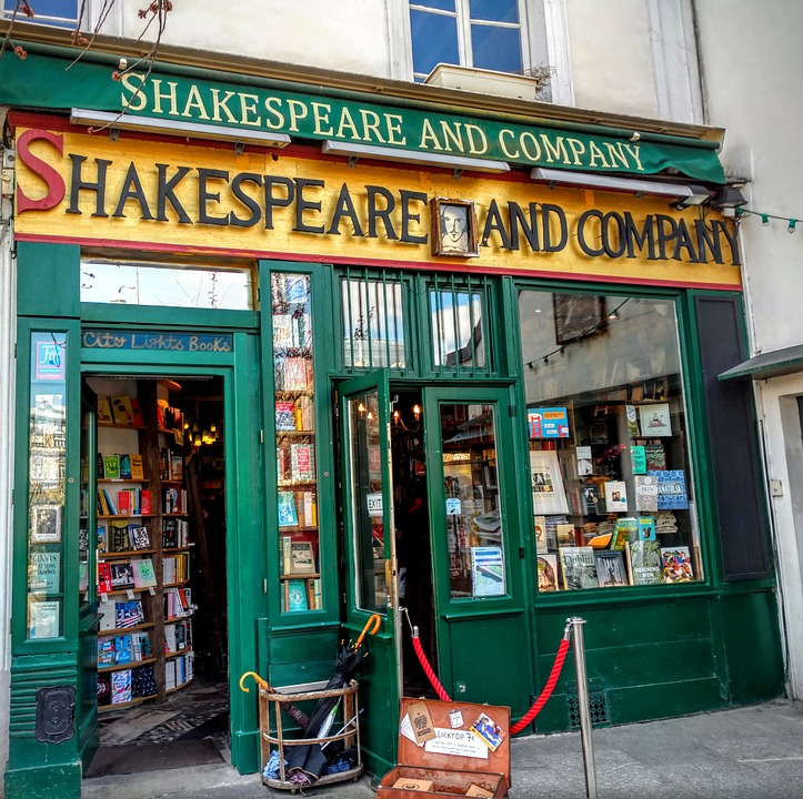 shakespeare-and-company-1701307_960_720.jpg